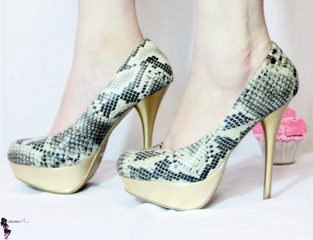 bamboo snakeskin print pumps (8)
