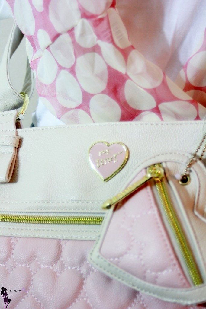 cupkake in pumps giveaway betsey johnson be mine cross body bag (5)