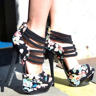 Strappy Floral Pumps