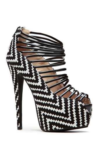 Black & White Chevron Pumps