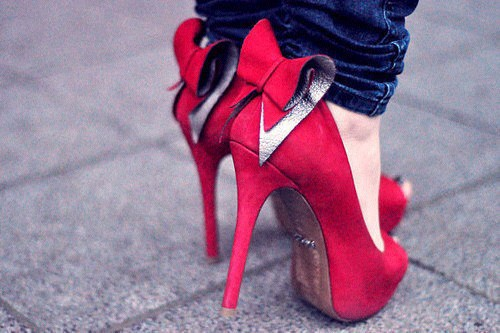Bow Red Pumps